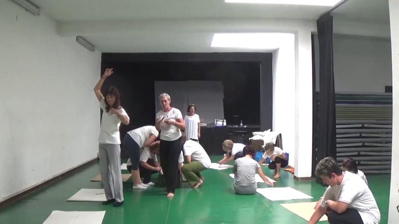 """Workshop esperienziale teorico-pratico  """"Parole in movimento: il corpo nella favola"""""""